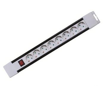 Elosztó, hosszabbító 8-as 2 m kapcsolóval fehér | PNV 08K/WH